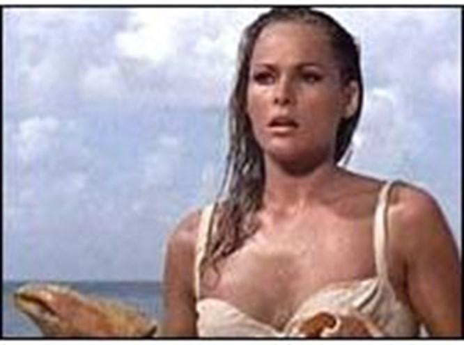 İlk Bond kızına fahri vatandaşlık